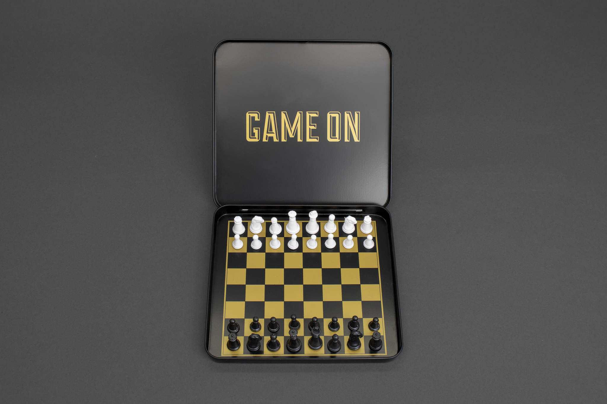 Iron & Glory - Game On - Reiseschach